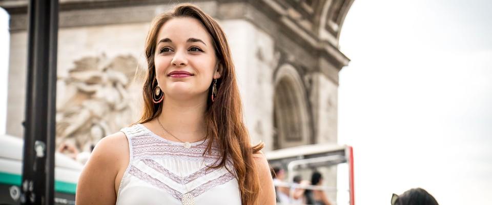 De passionnée à indépendante, Amandine, tourneuse de spectacles !
