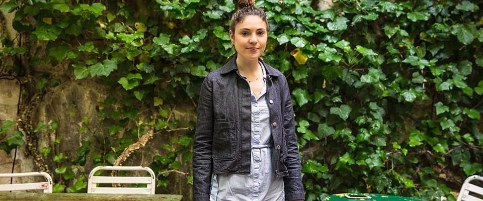 Portrait d'Ella, chef itinérante en auto-entreprise