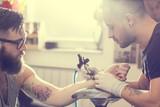 https://www.portail-autoentrepreneur.fr/media/CACHE/images/knowledgebase/tatoueur-auto-entrepreneur/dcb299dbd4835be0578f9ef9f8a33963.jpg